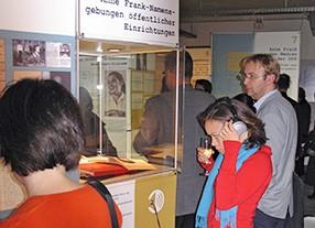 Wanderausstellung Anne Frank - Gestaltungskonzeption und Gestaltungsumsetzung